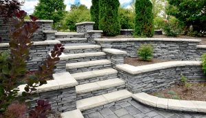 Rivercrest | Terraced Garden Wall