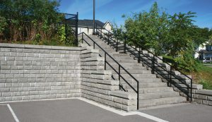 SonomaStone | Retaining Wall with SienaStone Stairs